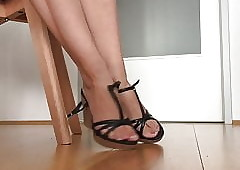 Titillating wedges shoeplay..