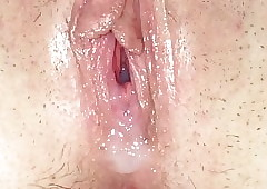 Creampie at hand Lorena pussy..